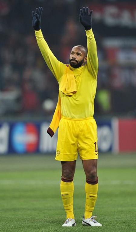 Nhìn lại 40 ngày xúc cảm của Henry ở Arsenal - 14