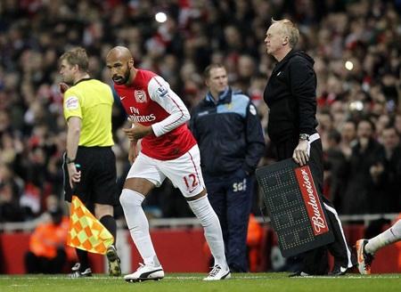 Nhìn lại 40 ngày xúc cảm của Henry ở Arsenal - 5