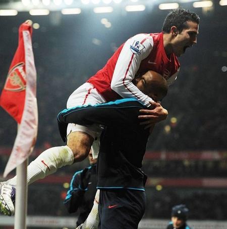 Nhìn lại 40 ngày xúc cảm của Henry ở Arsenal - 8