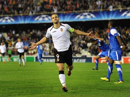 11 cầu thủ xuất sắc nhất lượt 5 vòng bảng Champions League - 1