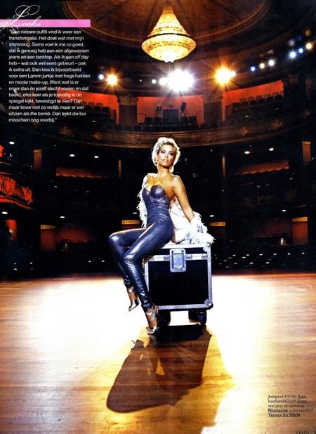 """Bà xã Van der Vaart """"hút hồn"""" trên tạp chí - 3"""