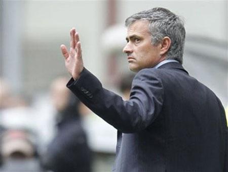 """Mourinho bóng gió khả năng trở lại """"trục vớt"""" Inter"""