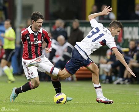 AC Milan đã chấm dứt chuỗi 3 trận toàn thua bằng chiến thắng trước Genoa