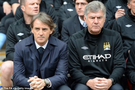 HLV Mancini không thể giúp Man City tránh khỏi cảnh trắng tay