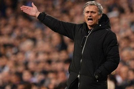 Những thất bại liên tiếp ở mọi đấu trường khiến Mourinho mất việc