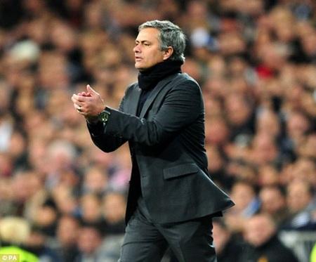 Vì Chelsea, Mourinho sẵn sàng từ bỏ ghế HLV ở MU
