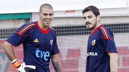 Valdes, Casillas ai sẽ bắt chính ở Confederations Cup 2013?