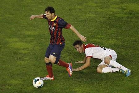 Messi đã từ chối bắt tay đối thủ?