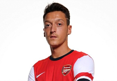 Ozil tới Arsenal vì HLV Wenger