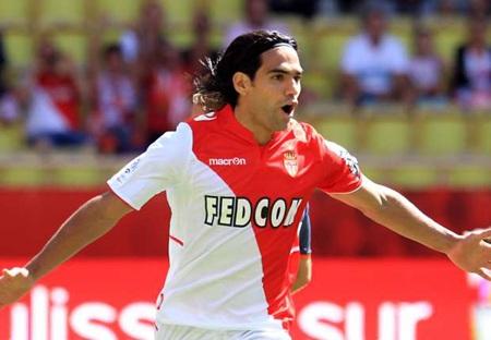 Falcao đã từ chối lời mời gọi của Real Madrid
