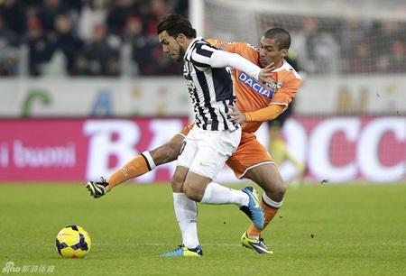 Juventus nhọc nhằn vượt qua Udinese
