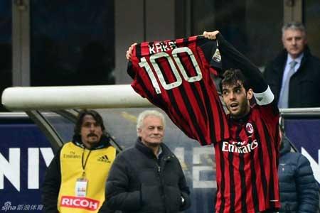 Kaka là người hùng trong chiến thắng của Rossoneri với cú đúp