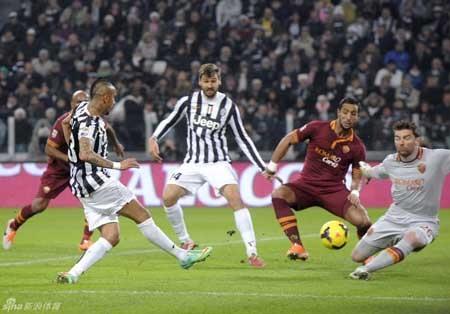Juventus đã đè bẹp AS Roma với tỷ số 3-0