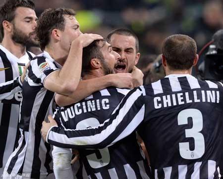 Dù rất cố gắng nhưng AS Roma cũng không thể ngăn nổi Juventus