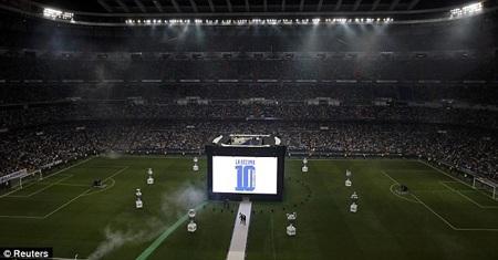 Số 10 - tượng trưng cho số chức vô địch C1/Champions League của Real