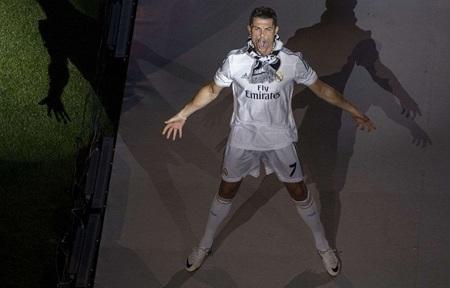 Những người hùng Real Madrid lần lượt bước ra sân khấu