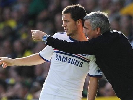 Mourinho và Hazard liên tục chỉ trích nhau trước báo giới