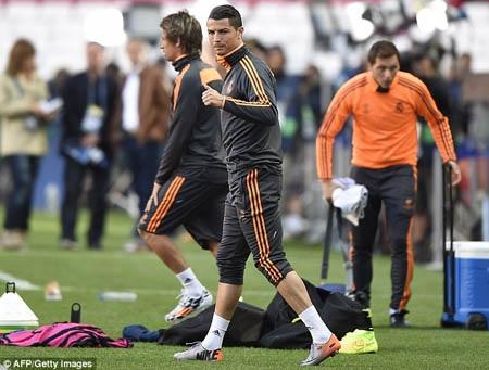 C.Ronaldo đã bình phục chấn thương và sẽ có mặt trong trận chung kết