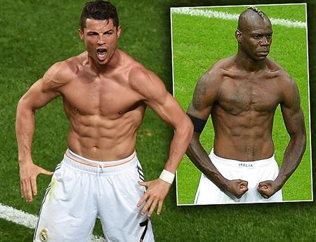 C.Ronaldo khoe cơ bắp giống Balotelli