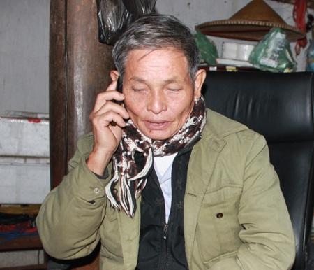 Suốt mấy ngày qua, ông Diệm chỉ có thể nắm tình hình của con trai, con dâu mình qua điện thoại.