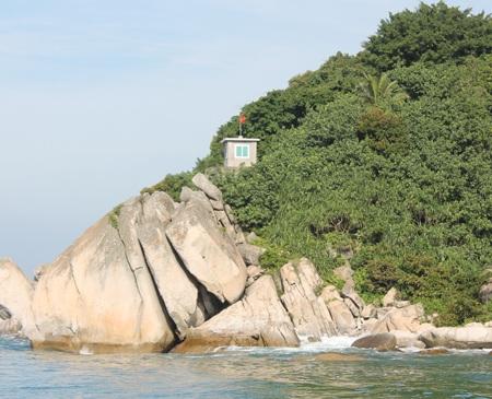 Vọng gác trên Đảo Mắt.