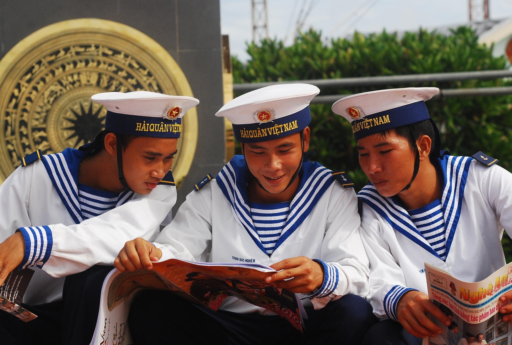 Lính Nghệ ở Trường Sa (ảnh Hoàng Trần).