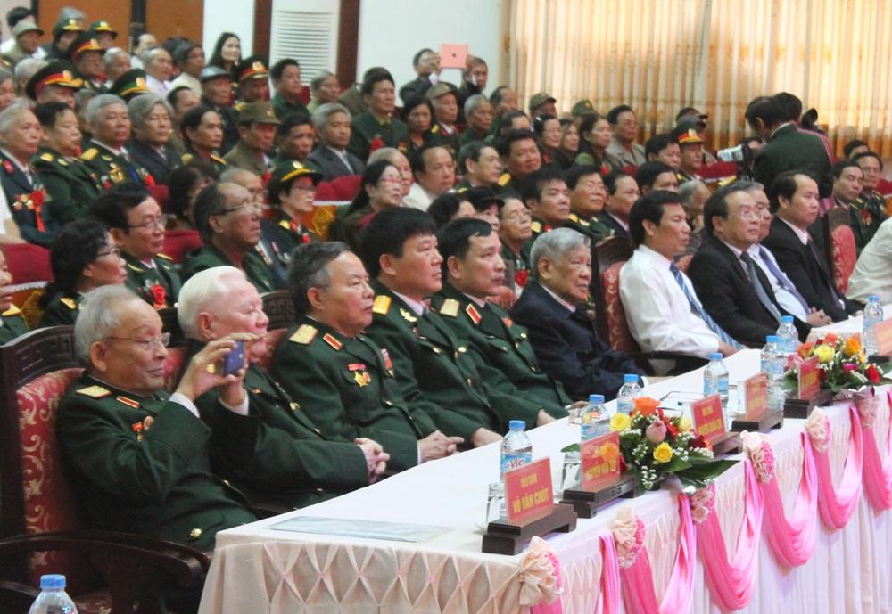 Các đại biểu, tướng lĩnh tại buổi gặp mặt.