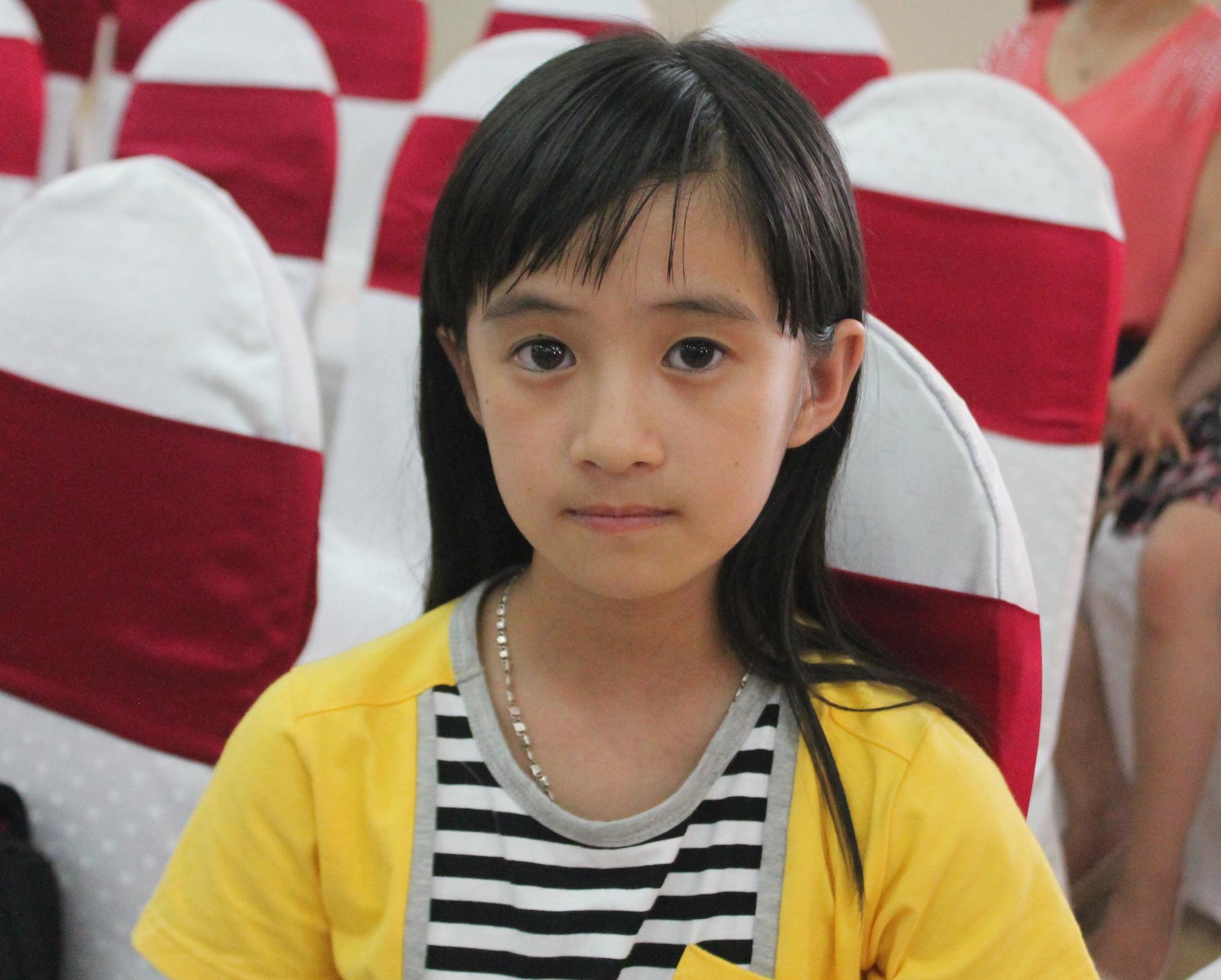 Em Mã Hồng Vân tại Đại hội Cháu ngoan Bác Hồ tỉnh Nghệ An năm 2015.