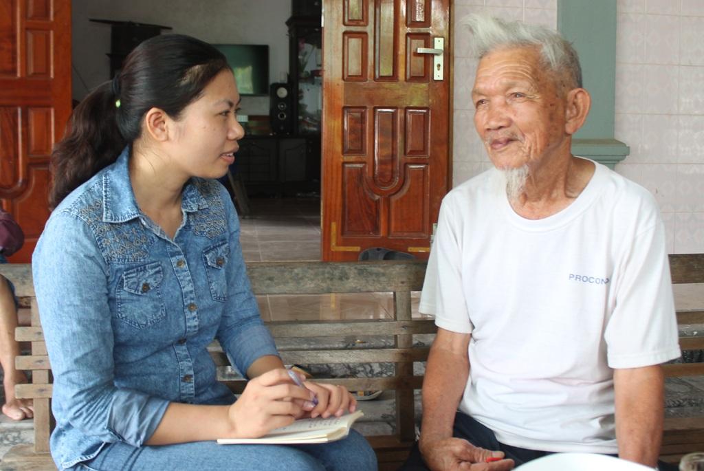 Ông Hồ Viết Chuyên trò chuyện với PV Dân trí về những kỉ niệm với Bác Hồ.