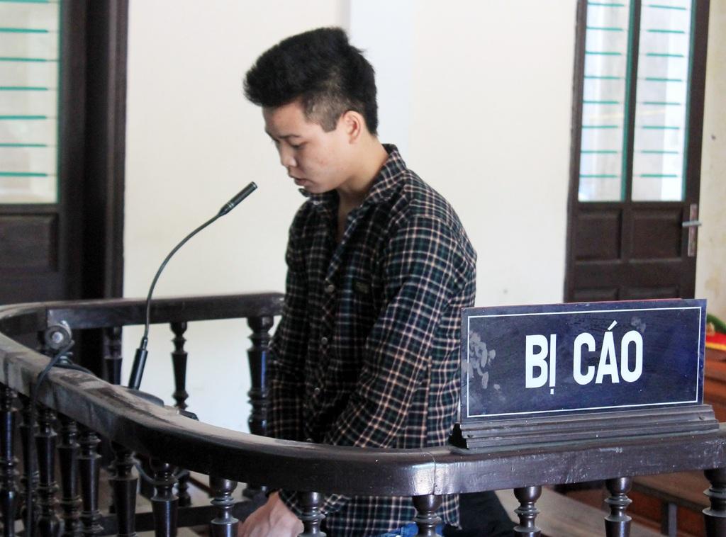 Bị cáo Lô Văn Sơn tại phiên tòa.