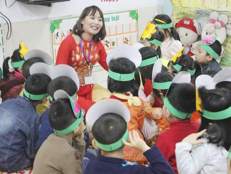 Giáo viên mầm non ngoài yêu nghề, mến trẻ phải có năng khiếu hát, múa, kể chuyện...