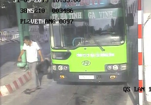 Hành trình truy bắt kẻ đâm thủng bụng nhân viên bán vé xe buýt