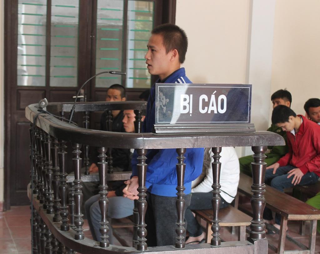 Lô Văn Thái tại phiên tòa.