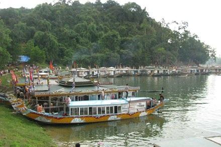 """Sông Hương đoạn trước điện Hòn Chén - nơi được cho là có """"rùa thần"""" nghìn ký xuất hiện"""