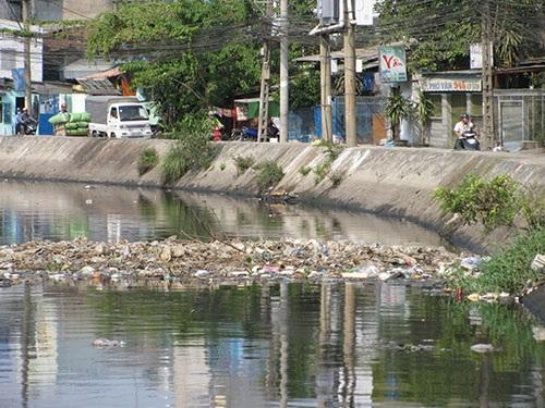 Nhiều kênh rạch tại TPHCM đang bị ô nhiễm từ nguồn chất thải sinh hoạt