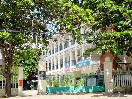 Trung tâm Kỹ thuật hướng nghiệp Phan Rang chưa trả lương cho giáo viên 4 tháng nay