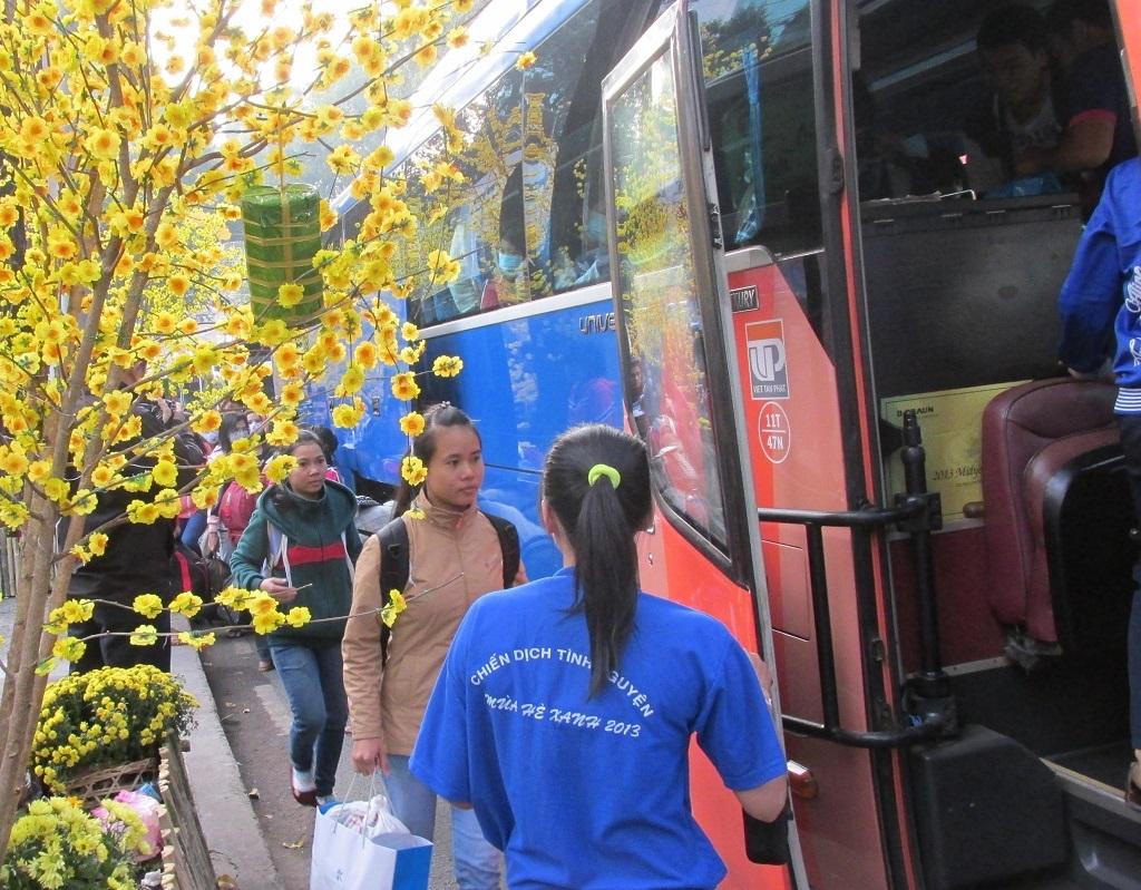 TPHCM: Tặng 2.600 vé xe miễn phí cho sinh viên khó khăn về quê đón Tết