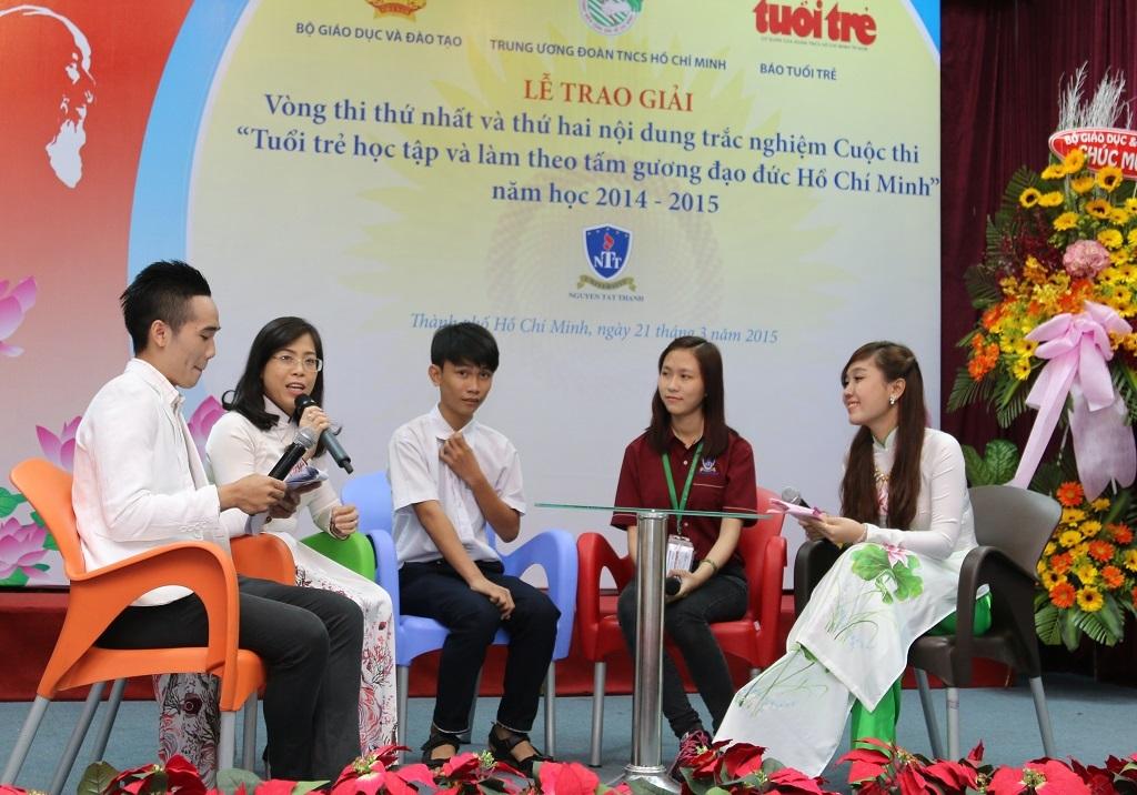 Hơn 40.000 bạn trẻ dự thi học tập và làm theo tấm gương đạo đức Hồ Chí Minh