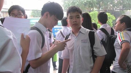 Thí sinh TPHCMthi xong kỳ thi tuyển sinh lớp 10.