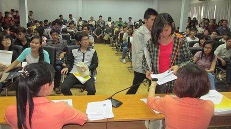Thí sinh khối Quân đội, Công an được bổ sung hồ sơ thi THPT quốc gia đến 23/6