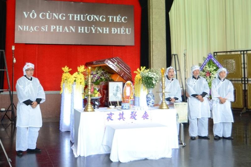 Đám tang cố nhạc sĩ Phan Huỳnh Điểu