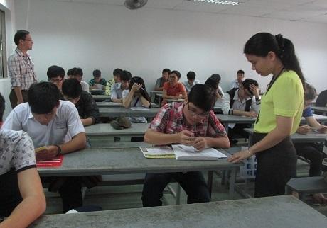 Bộ GD-ĐT đề nghị không bố trí giáo viên coi thi và chấm thi học trò của mình