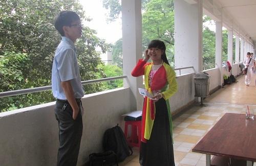 Chọn trang phục áo tứ thân để đi thi trở thành cô giáo mầm non