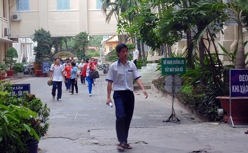 Thí sinh Lương Minh Trọng là thí sinh ra đầu tiên tại điểm thi này