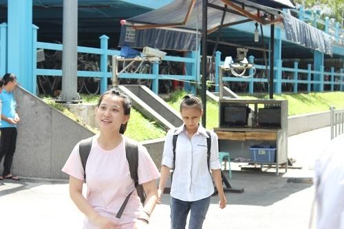 Thí sinh thi xong buổi thi môn Địa lý tại TPHCM (ảnh Xuân Duy)
