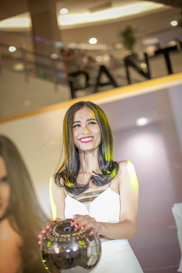 Kết quả ngoài mong đợi của Đông Nhi, lượng tóc bị dựng lênđã giảm hẳn so với lần trải nghiệm trước