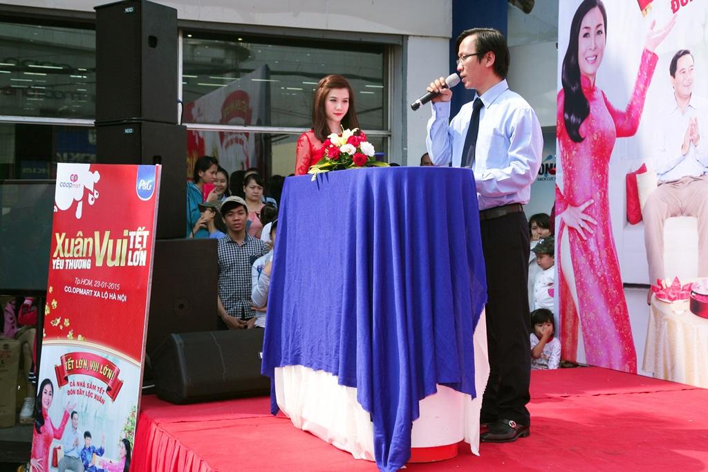 Ông Nguyễn Duy Hiển – Giám đốc khu vực TP HCM, Giám đốc Co.opmart Xa lộ Hà Nội