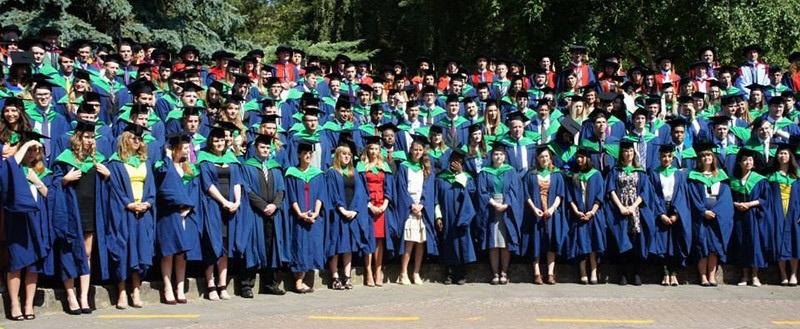 Sinh viên của INTO UEA trong ngày lễ tốt nghiệp