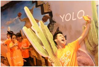 Các thí sinh đã thể hiện tinh thần selfie hết mình tại TP.HCM lẫn Hà Nội
