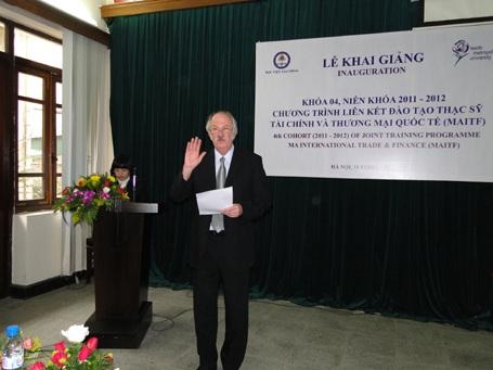 Cơ hội học và lấy bằng đại học của Anh tại Việt Nam - 1
